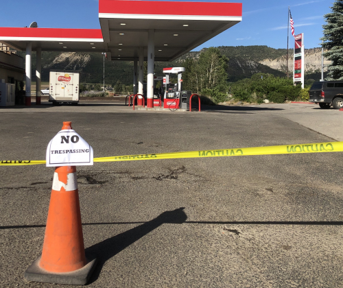 The Ridgway Conoco convenience store closed temporarily last week. The store reopened a few days later, with a sign posted on the door stating the management wouldn't be asking people why they weren't wearing masks. Photo by Liz Teitz.